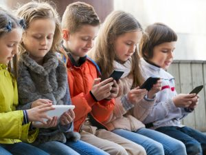 7 Scary Things You Need to Know About Cellphone Addiction_Bad Yogi