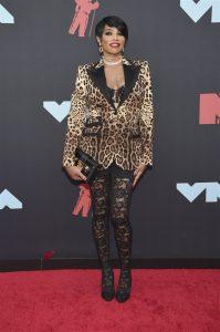 Fashion Trends at this Year's VMAs: No Pants Allowed_Bad Yogi