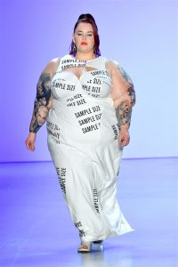 Tess Holliday Dissed the Fashion Industry in the Best Way Possible at New York Fashion Week Bad Yogi