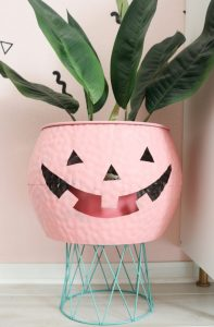 Halloween Is Changing Colors - See the New Trend (Pictures and DIY) - Bad Yogi
